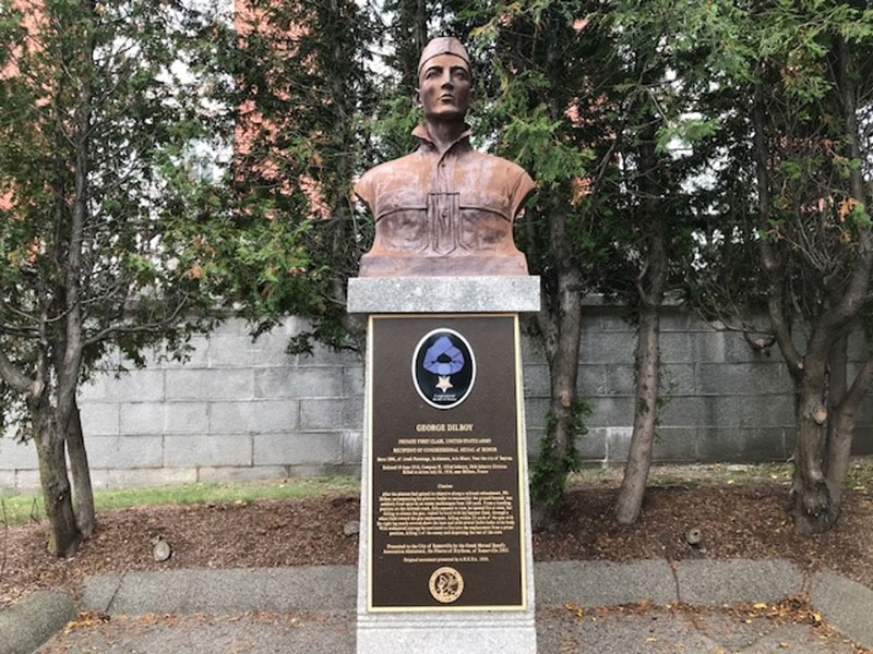 Medal of Honor War Memorial Bust