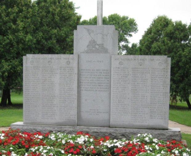 OSHKOSH WAR VETERANS MEMORIAL WALL A
