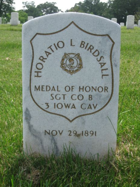 SGT. HORATIO L. BIRDSALL MEDAL OF HONOR GRAVE STONE