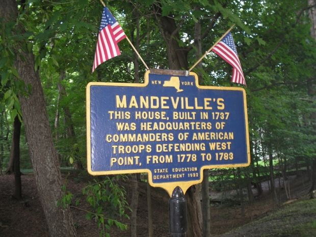 MANDEVILLE'S REVOLUTIONARY WAR MEMORIAL MARKER